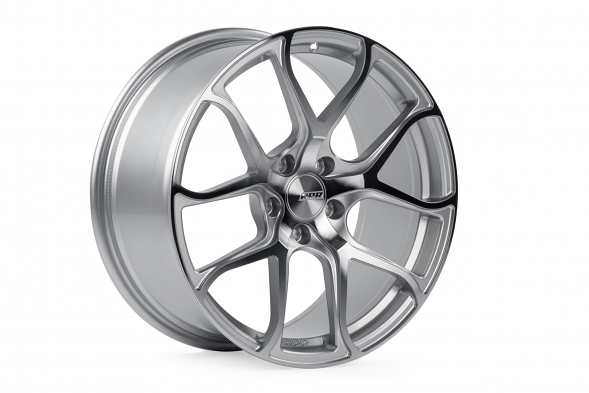 APR S01 Forged Aluminum Wheel - ET45, 18X8.5 (Machined Silver)